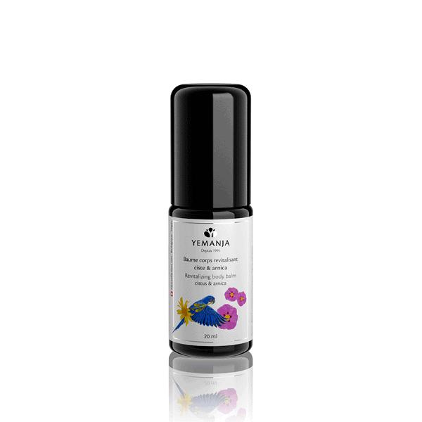 Flacon de 20ml de baume corps Yemanja, en verre miron noir et à l'étiquette blanche sur laquelle figure un perroquet bleu.