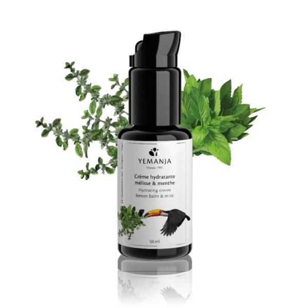 Eine 50ml-Flasche Yemanja-Feuchtigkeitscreme, hergestellt aus schwarzem Glasmiron und mit einem weißen Etikett, auf dem ein Tukan erscheint.