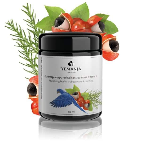 Flacon de 250ml de gommage revitalisant Yemanja, en verre miron noir et à l'étiquette blanche sur laquelle figure un perroquet bleu.